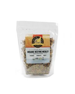 Scratch and Peck Feeds 79993 Organic Nesting Medley - 8-Ounces