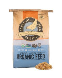 Scratch and Peck Feeds 8600-40 Cluckin' Good Cracked Corn - 40-lbs